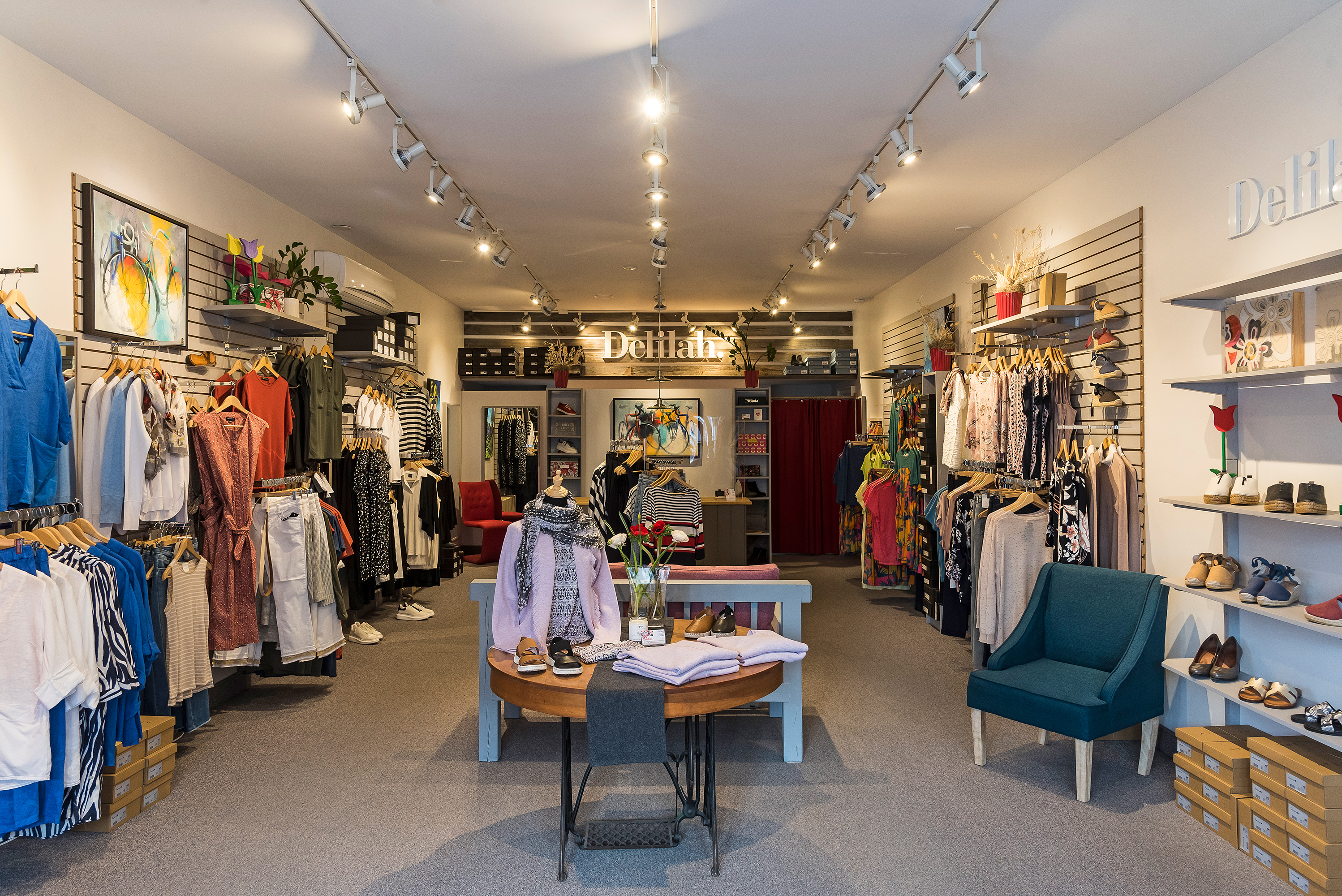 Clothing & Accessories shops reopen in the Glebe Friday!